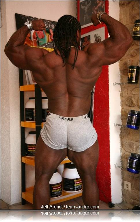 IFBB Pro Clarence DeVis 13 weeks out
